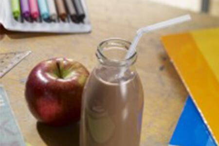 Zahngesundes Schulfrühstück: Kakao für kräftige Zähne und schlaue Kinder